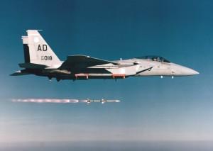Lansare AIM-120 AMRAAM - Sursa: defenseindustrydaily.com