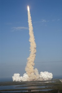 Lansarea navetei spatiale - Sursa: Wikimedia.org