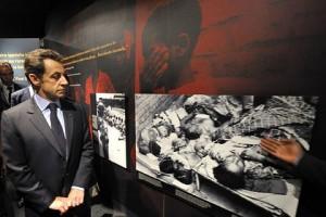Sarkozy la memorialul victimelor genocidului din Rwanda - Sursa: AP via theage.com.au