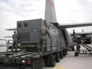 ACES II Senior Scout gata de instalare intr-un C-130J - Sursa: Lockheed Martin