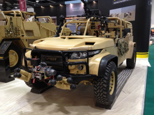 Light Reconnaissance Vehicle 400 - Sursa: Supacat